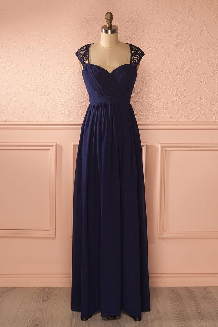 Aila Night from Boutique 1861....Elle avait peine à croire qu'elle avait passée une si merveilleuse soirée !... beautiful navy maxi dress/ fall wedding/ bridesmaid dresses/Boudoir 1861 bridal store/1861.ca
