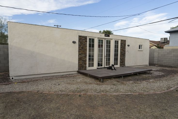 Initially intended as a mother-in-law suite, this container home has never been lived in. The $27,500.00 list price includes: 1. 40' HC grade A shipping container 2. R-19 wall insulation and R-30 roofing insulation 3. Electric hookup through 220v RV plug (or can be retrofitted to be completely off-grid) 4. Gas hookup to either butane…
