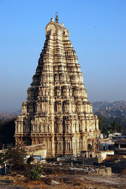 Virupaksha Temple, Hampi, India. #india #travel
