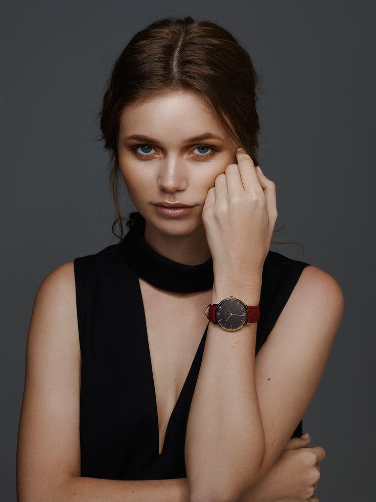 Anna Kolding wearing 36mm black/gold watch