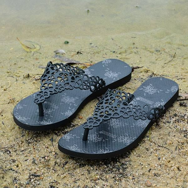 Hope the weather is warm this weekend for the park or beach. Just in time to wear my new #Batucada #Sandals. So comfortable!  Batucada Sweet Flower Sandals - Black  #leethalfashion