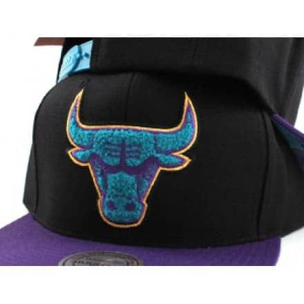 Chicago Bulls Snapback hats for the Air jordan Sneaker Retro 8 Aquas that are releasing!!