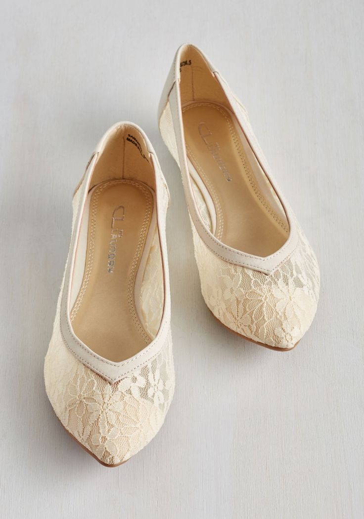 Chic of Operations Flat in Ivory. Work your sweet style from the boardroom to the break room in these ivory flats from CL by Laundry! #cream #wedding #modcloth