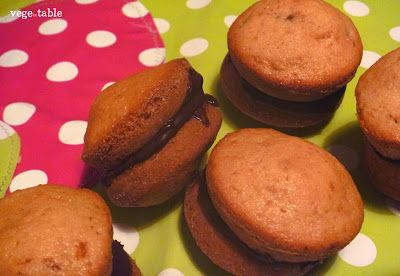 vegeintable: Whoopie with Walnut and Black Chocolate Stuffing