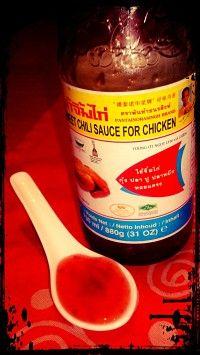Salsa de chile dulce para pollo (Nam Jim Kai), mi última novia. La más joven de mis cinco salsas asiáticas. Para acompañar pollo, empanadillas japonesas y rebozados. También para cocinar pasta, pollo frito,…