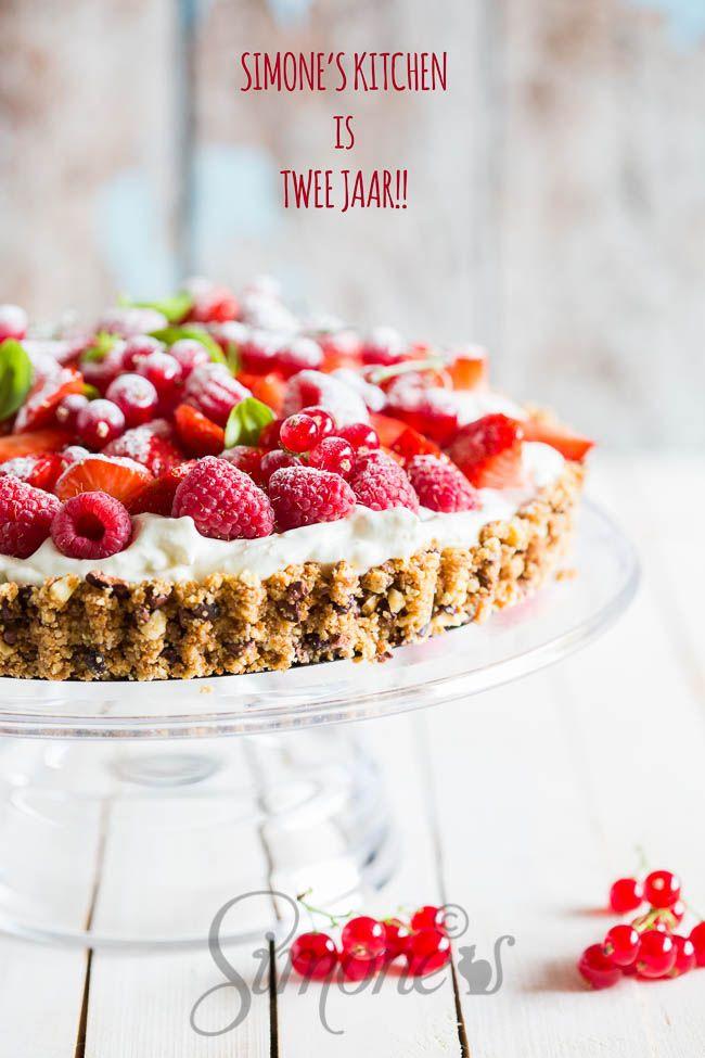 Aardbeien room taart met cantuccini koekjes | simoneskitchen.nl