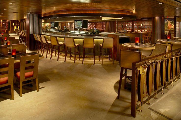 Hilton Hawaiian Village - hotel bar