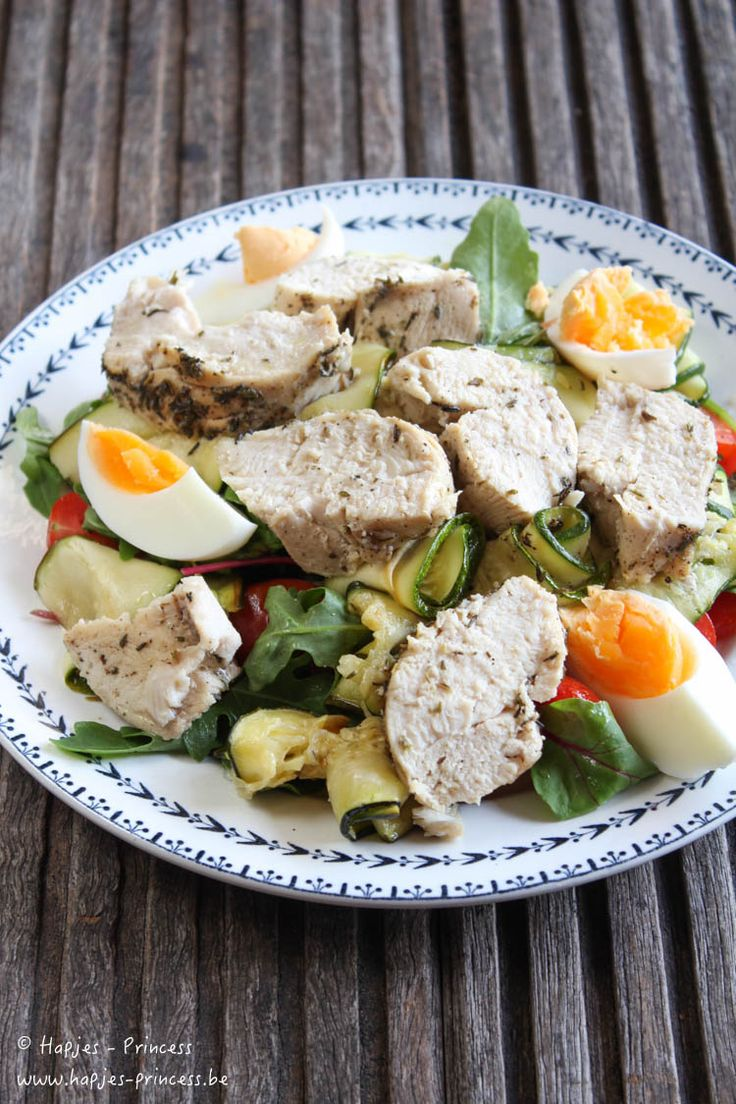 Salade met kip, geroosterde courgette, tijm en honing - Hapjes Princess