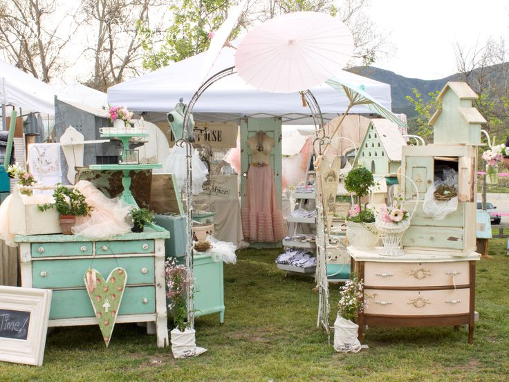 """Shop Front by Mammabellarte at """"The Vintage Marketplace"""""""