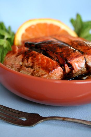 Orange and balsamic make a sweet and sour combo that is perfect with salmon. If you have a sensitive nose but still want to enjoy the health benefits of eating fish, citrus is always a good way to cut the strong sent of salmon. #skinnychef
