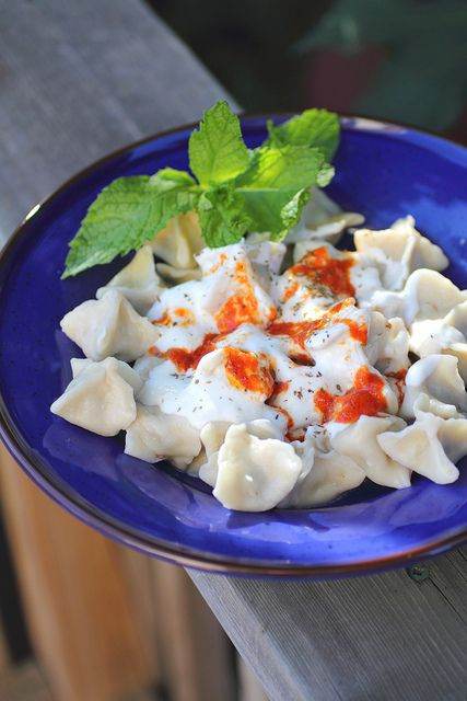 Turkish Manti Dumplings by Adventuress Heart, via Flickr  http://www.adventuressheart.com/2011/08/turkish-manti-dumplings.html#
