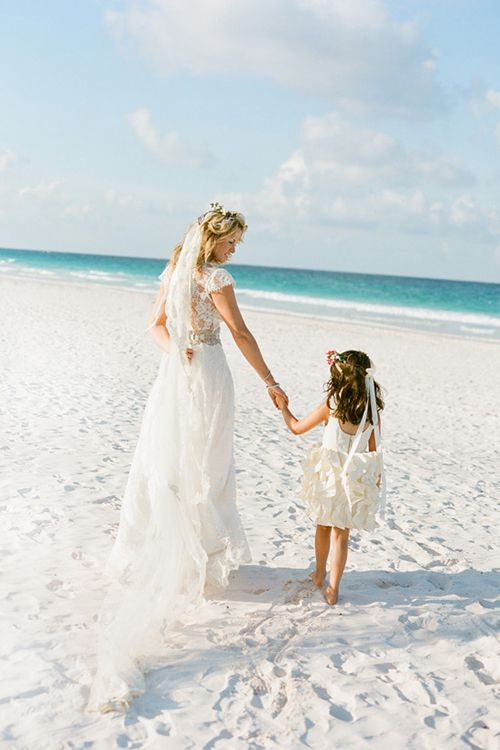 A Glam Wedding On The Beach In Bahamas