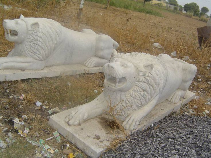 its a best of hand made indian marble carving of like real lion make by indian artist.