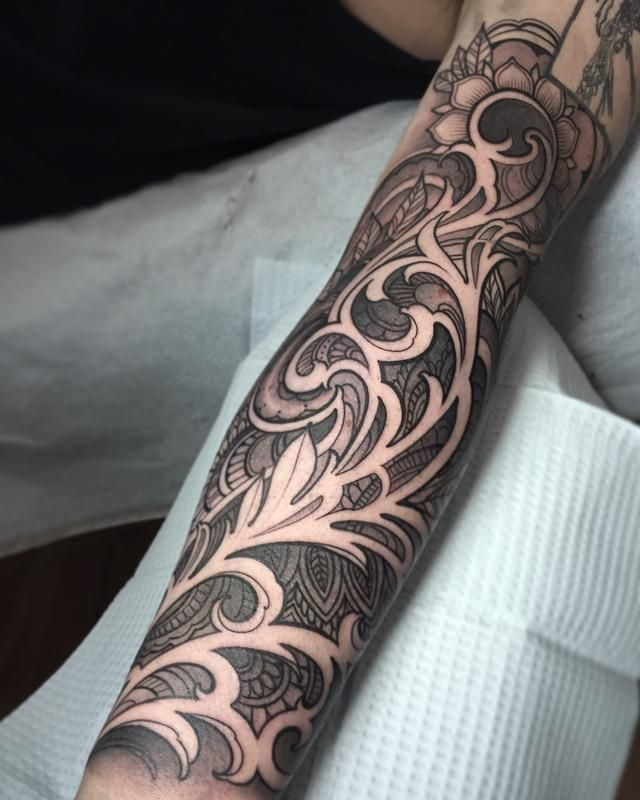 Filigree sleeve with henna inspired designs by Laura Jade : Tattoos