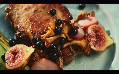 Pork Chops, Figs and Leek from season 2, episode 5 of Tareq Taylor's Nordic Cookery. http://gustotv.com/recipes/lunch/pork-chops-figs-leek/