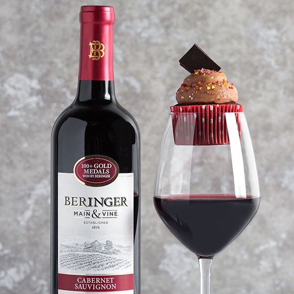 Best Wine With Dark Chocolate 11 best hostest with the mostest diy party ideas images on valentines day wine and cupcake pairing party idea dark chocolate cupcakes with beringer sisterspd