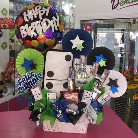 A ellos les encantan los detalles  celebra su cumpleaños  de una manera especial!!! #floristeria #Tarjeteria #Regalos #Cumpleaños #Amor #Baby #Graduacion #ymas #dencantos