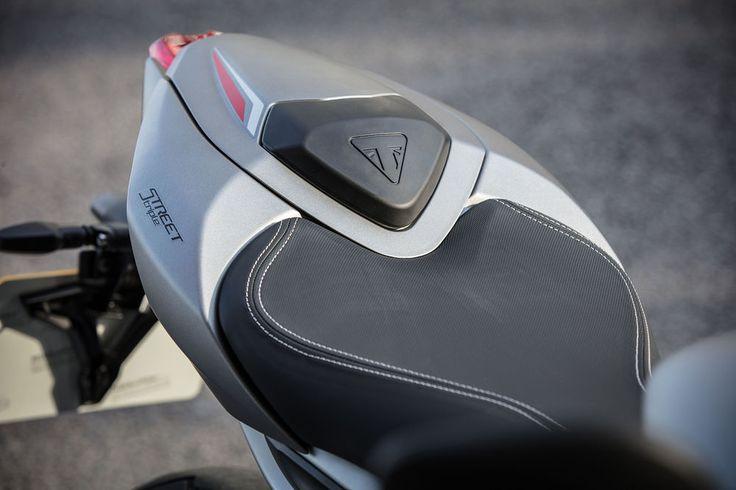 2017 Triumph Street Triple RS seat details