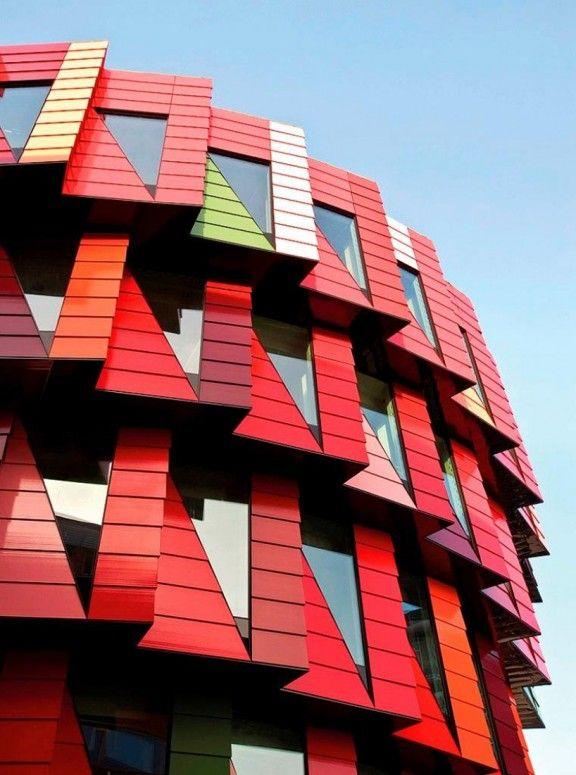 Red / Triangular windows