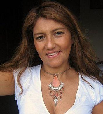#Halskette mit einem #Anhänger aus #Alpakasilber und hellbraunen Steinen, #Folkloreschmuck