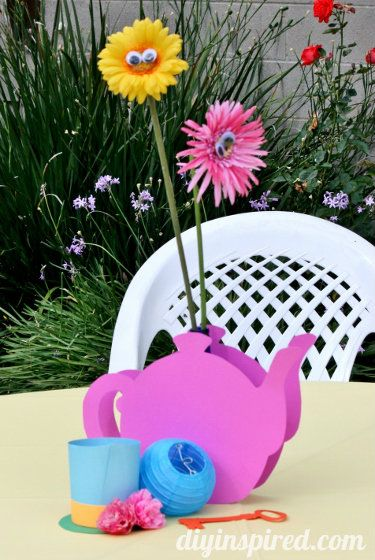 Alice in Wonderland Table Centerpieces | Alice-in-wonderland-first-birthday-party (8)