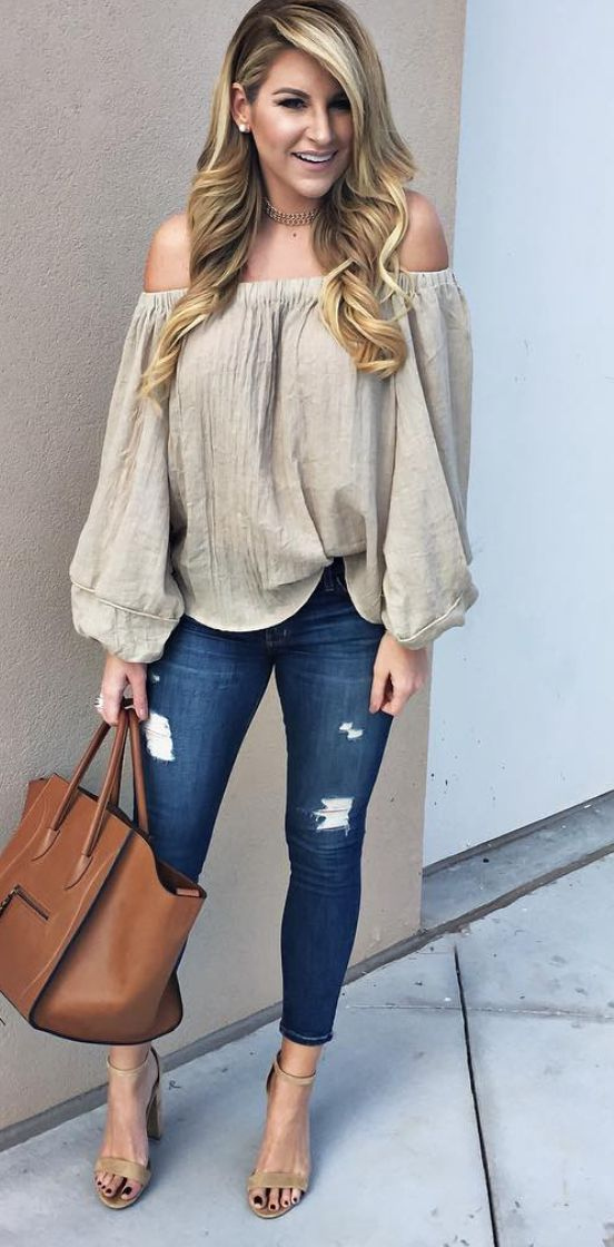 Off-the-shoulder top with ripped denim