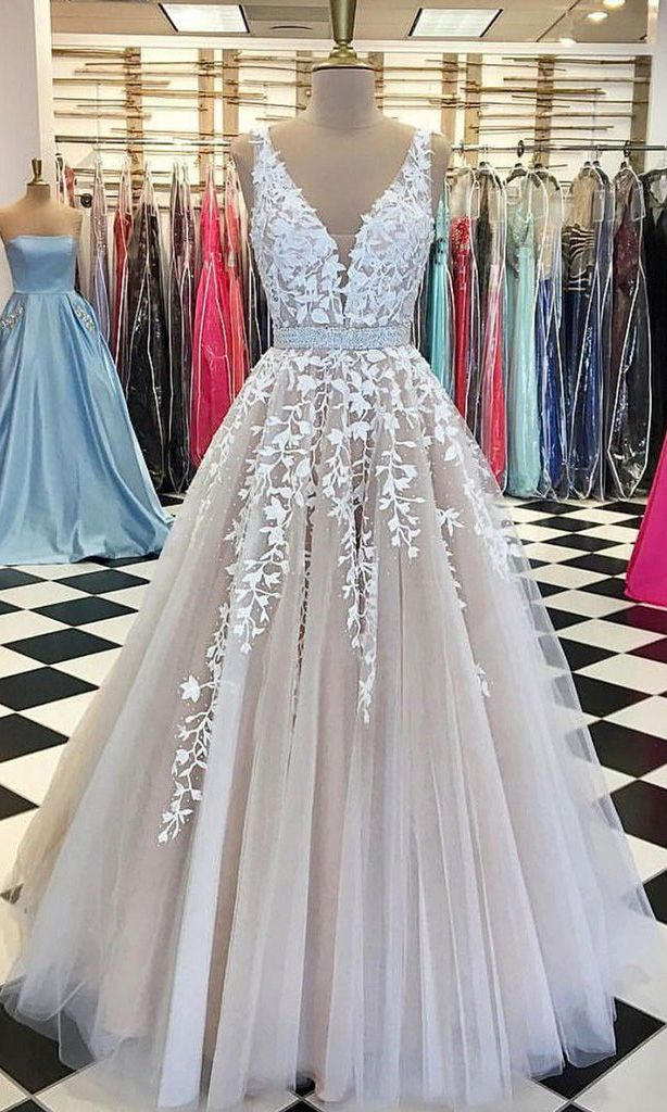 Champagne V-Neck Promenade Robes,Tulle Lace Bridal Clothes,Lengthy Wedding ceremony Gown,Tulle Promenade Gown,Elegant Night Gown,Get together Clothes,Promenade Clothes GY46