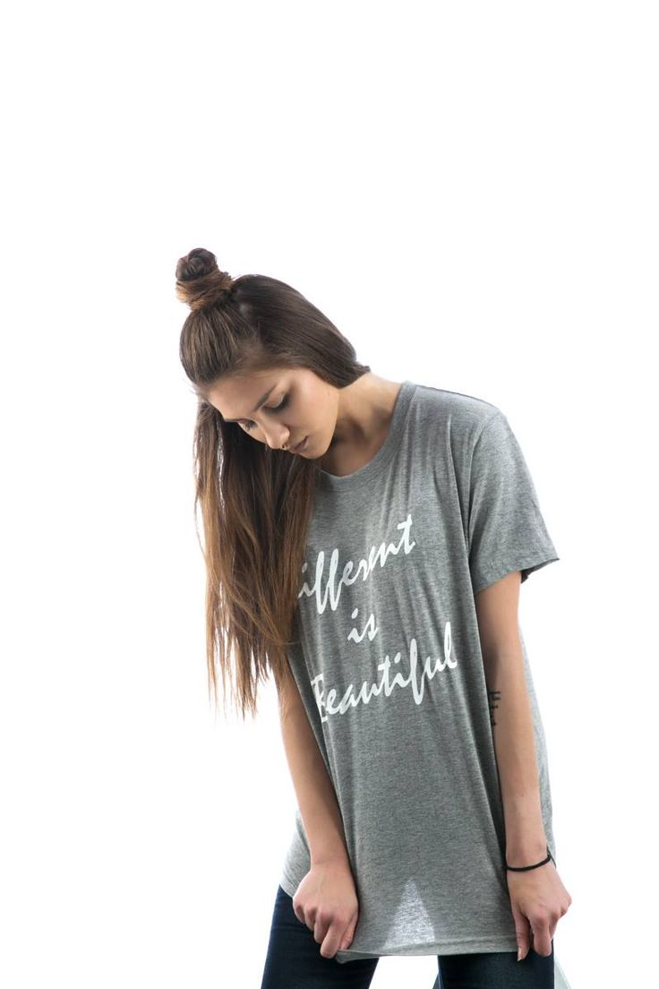 Short sleeve blouse with slogan. Round neck. 100% Cotton. https://www.modaboom.com/t-shirt-different-is-beautiful.html