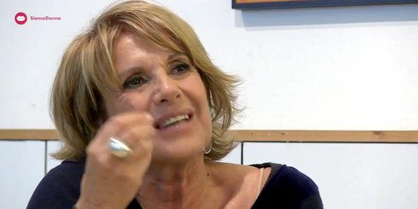 Video intervista a Lella Costa sul teatro, la filosofia e la donna di oggi