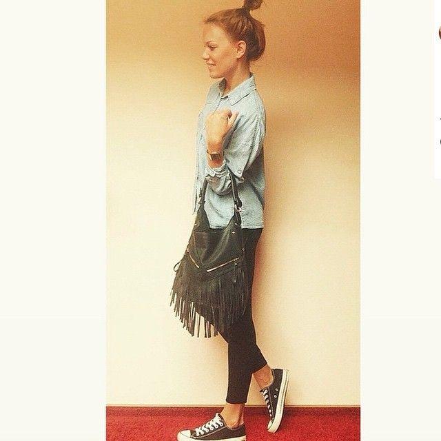 Рубашка джинсовая 1299₽, сумка с бахромой 699₽ -30% на все! #takkofashion #takko_fashion #outfit #outfitoftheday #jeans #fashion #fashionista #fashionlovers #fashionblogger #fblogger #mode #modeblogger #instafashion #picoftheday #liker #like4like #likeforlike #follow #followme #happy #girl #love #takko