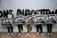 Les One Direction ont reçu mardi 31 juillet une récompense très spéciale de la part de Syco et de Sony Music pour célébrer leurs 12 millions d'unités vendues à travers le monde en moins d'une année : 8 millions de …  - L'incroyable année des One Direction