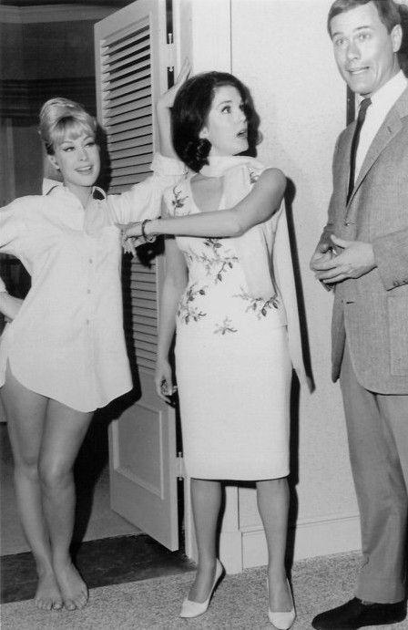 1965 pilot show of I Dream Of Jeannie - Barbara Eden, Karen Sharpe, Larry Hagman