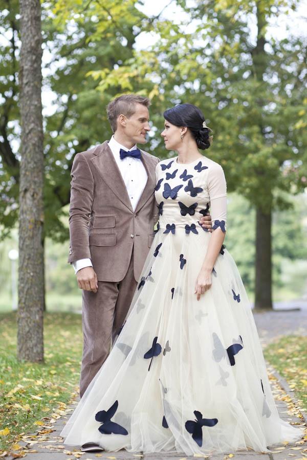 vestido de novia de mariposas negras butterfly wedding gown eva grin photography