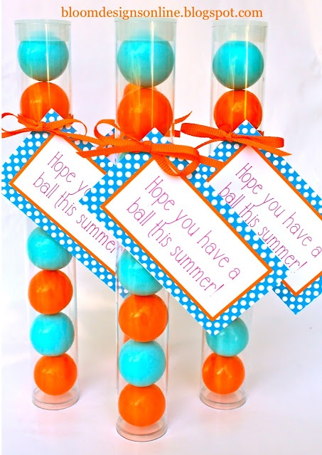 gifts with free tags