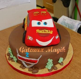Les 25 meilleures id es concernant disney g teau de voitures sur pinterest g teaux d - Gateau anniversaire disney ...