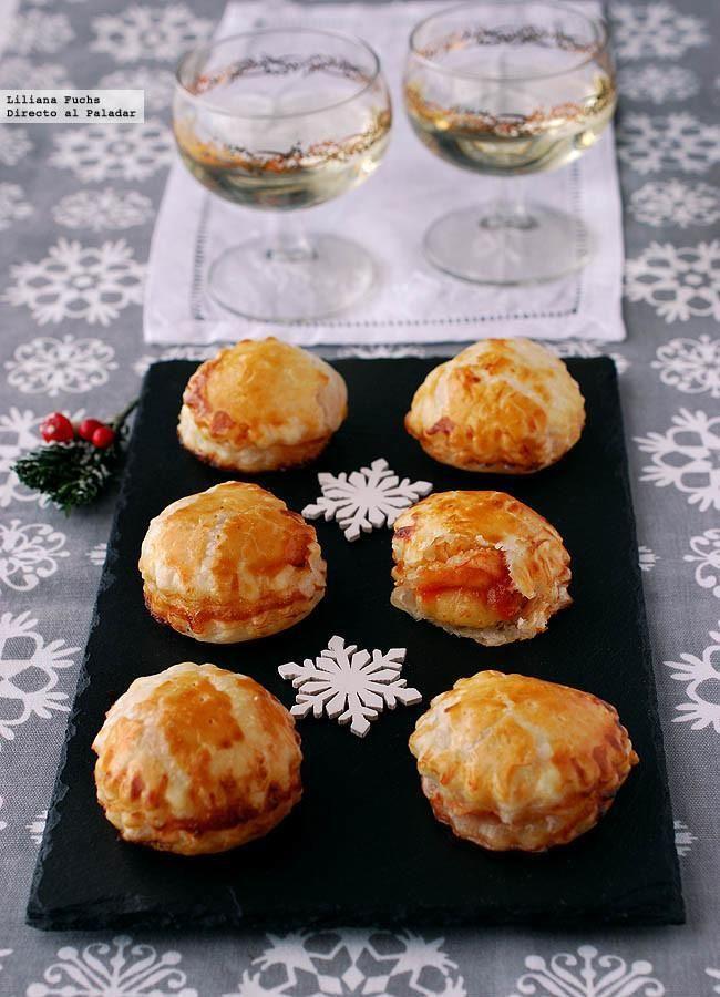 Bocaditos de brie con mermelada de tomate. Receta de aperitivo de Navidad