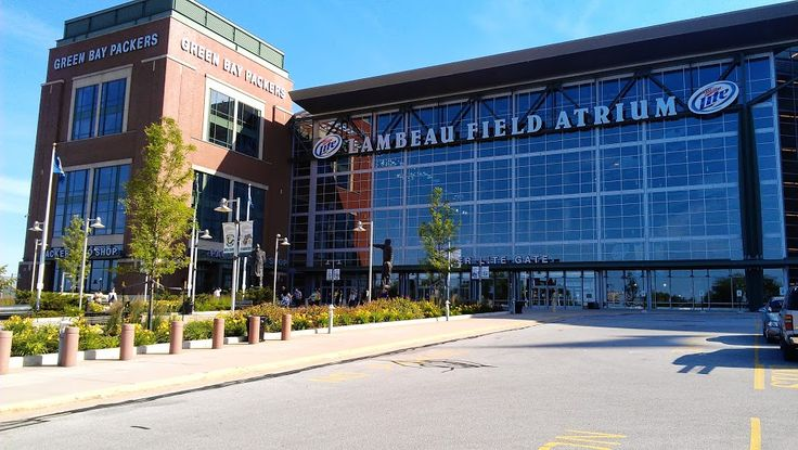 Packers vs. Bears Thanksgiving Game:  NFL's Most Expensive Ticket - http://allgbp.com/2015/04/27/packers-vs-bears-thanksgiving-game-nfls-most-expensive-ticket/ http://allgbp.com/wp-content/uploads/2015/04/Lambeau-Field.jpg