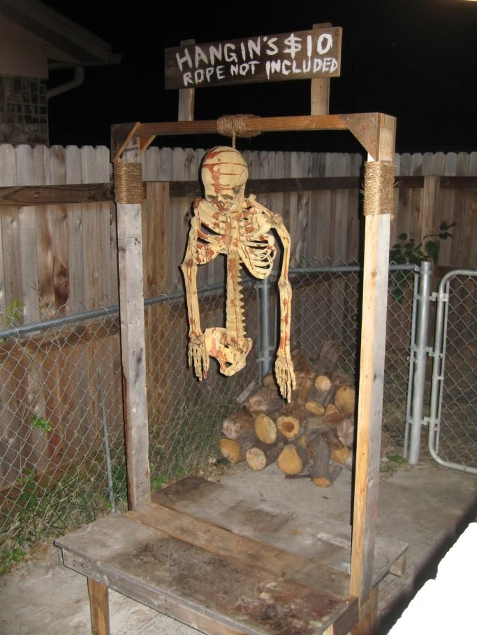 hangins 10 bucks halloween - Halloween Ideas For Yard