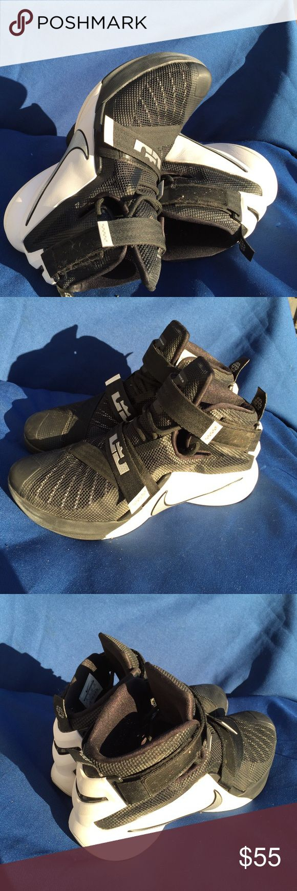 Men's Nike LeBron James lX Zoom soldier size 10 Gently used Nike Shoes Sneakers