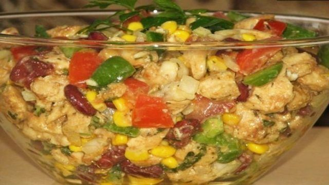 Výborný recept na zdravý FIT šalát, ktorý nie je treba dochucovať ani majonézou! Skrátka vynikajúca voľba pri diéte!