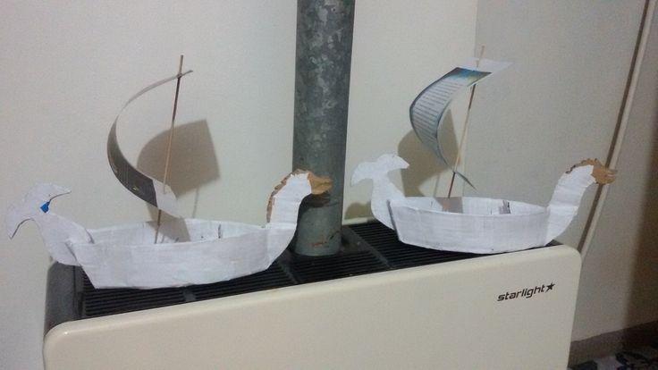 deti budou malovat lode z kartonu