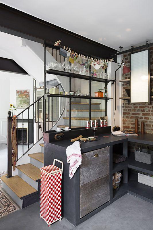 Verri res d 39 artiste en acier et tag res de style indus for Cuisine atelier d artiste