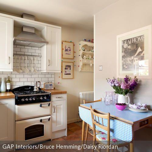 Eine Ideale Lösung Für Diese Kleine Küche Ist Der Klapptisch Im  Vintage Look. In