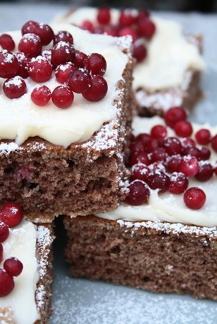 Lingonberry Gingerbread Squares / Scandinavian Food / Good taste ...
