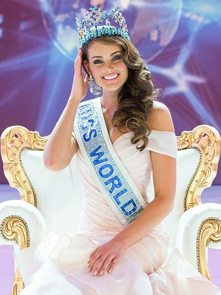 Miss South Africa Rolene Strauss, crowned as Miss World in 2014.