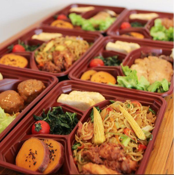 Lunch on the go at Suzu restaurant delivery now. Call: 0208 741 1101  FREE DELIVERY http://www.suzuonline.co.uk/deliveryandtakeaway/ #Japanesefood #hammersmith #London #lunch
