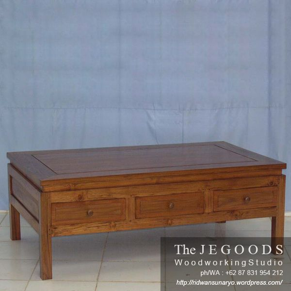Teak minimalist coffee table with drawers by the Jegoods Woodworking Studio Indonesia. A furniture manufacturer at factory prices.