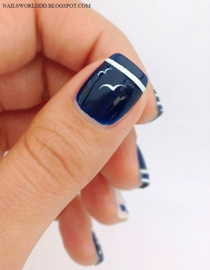 NAILS WORLD: NAUTICAL NAILS