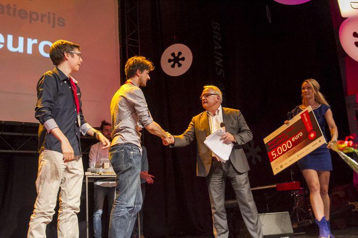 Uitreiking Bright Move - TU/e Innovatieprijs door Steef Blok
