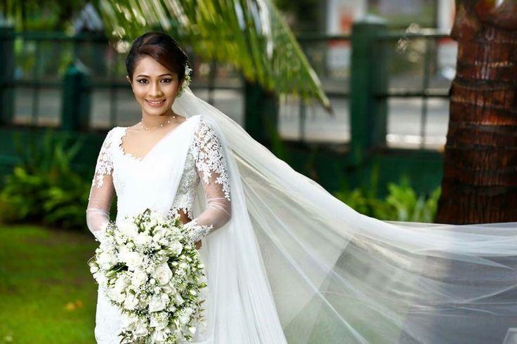 13 Best Kandyan Saree Images On Pinterest